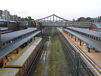 Berlin-Gesundbrunnen station - Image: Berlin Bahnhof Gesundbrunnen (7357167108)