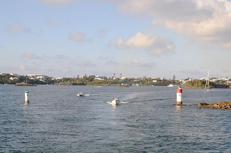 File:Bermuda - Hamilton Harbour - panoramio - David Broad (1).jpg
