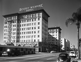 Beverly Wilshire Hotel - The Beverly Wilshire Hotel in 1959