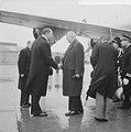 Bezoek President De Gaulle aan Nederland. President en mevrouw De Gaulle begroet, Bestanddeelnr 914-9320.jpg
