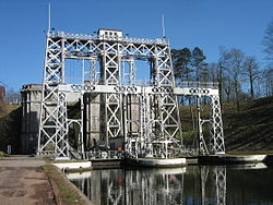 Boatlift nr3 canal du centre.jpg