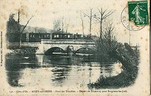 Aisey-sur-Seine - The village was served by a light railway line to metre gauge from 1891 to 1933 that linked the village to Châtillon-sur-Seine, Dijon and Baigneux-les-Juifs, operated by Chemins de fer départementaux de la Côte-d'Or
