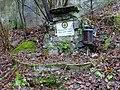 Bojanovice, údolí Kocáby, osada Dashwood, pomník.jpg