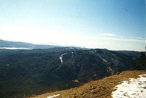 Botte Donato - Image: Botte Donato impianti di risalita vista dalla strada delle vette
