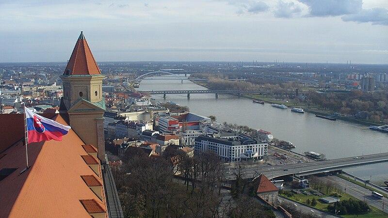 Súbor:Bratislava view from Crown Tower.jpg