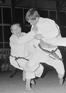 Brian Jacks vs A. van Polanen 1967.jpg