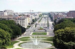 Avenue de Tervueren - The start of the Avenue de Tervueren at Cinquantenaire, looking East towards Montgomery