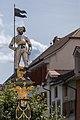 Brunnenfigur auf dem Vaillant-Brunnen in Le Landeron NE.jpg