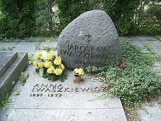 Jarosław Iwaszkiewicz - Their grave in Brwinów