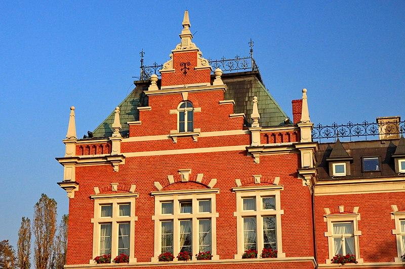File:Budynek Starostwa Powiatowego w Rybniku 9.JPG