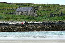 Building at SE end of Inishkeel Island - geograph.org.uk - 1161356.jpg