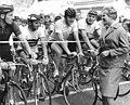 "Bundesarchiv Bild 183-76553-0001, Fahrradrennen ""Rund um Sebnitz"", Startschuss Ingrid Krämer"".jpg"