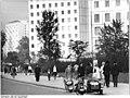 Bundesarchiv Bild 183-F1018-0303-001, Dresden, Prager Straße, Studentenwohnblocks.jpg
