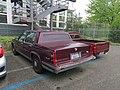 Cadillac Sedan DeVille & VW Caddy (27044788047).jpg