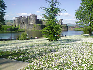 Gilbert de Clare, 8th Earl of Gloucester - Caerphilly Castle in the Welsh Marches, Gloucester's main residence, was built by his father, Gilbert 'the Red'.