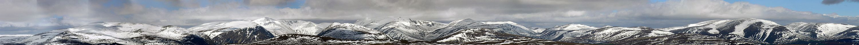 The Cairngorms from Càrn Liath in the Grampians
