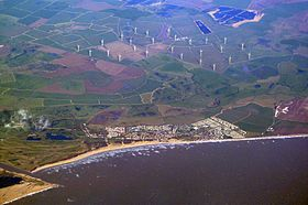 Camber, East Sussex, and Little Cheyne Court Wind Farm.JPG