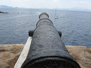 Cannon at Hydra