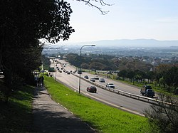 The M3 as it passes the University of Cape Town. The M3 is the major link between the City Bowl and the southern suburbs.