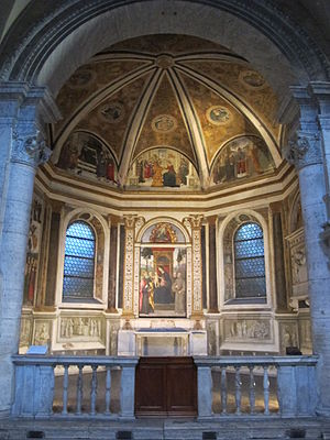 Basso Della Rovere Chapel (Santa Maria del Popolo) - The chapel with the altarpiece of Pinturicchio
