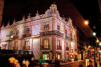 Madero Street - Image: Casa de los azulejos