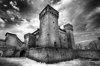 Castello - Rocca di Vignola.jpg