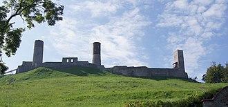 Chęciny Castle - Image: Chęciny zamek bok