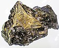Chalcopyrite on tetrahedrite-sphalerite (Russia) 2.jpg