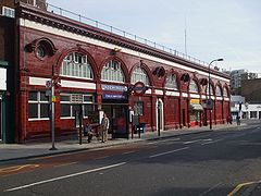 Chalk Farm stn entrance.JPG