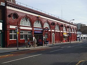 Chalk Farm tube station - Image: Chalk Farm stn entrance