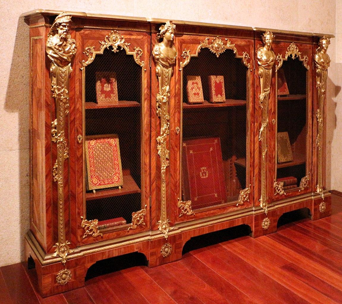 Scaffali Da Biblioteca.File Charles Cressent Coppia Di Mobili Con Scaffali Da