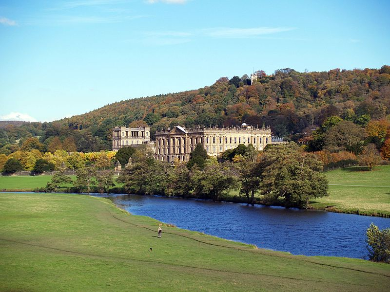 Файл:Chatsworth showing hunting tower.jpg