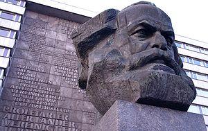 Chemnitz-Marx-Monument2.jpg