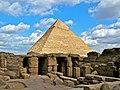 Chephren Pyramid & Temple ruins (4551643551).jpg