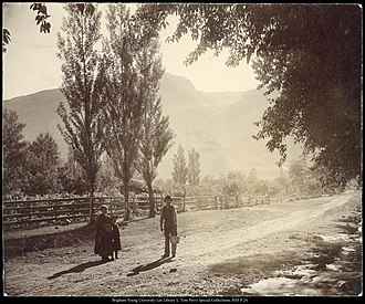 Mormon folklore - Image: Children near a farm in Willard, Utah