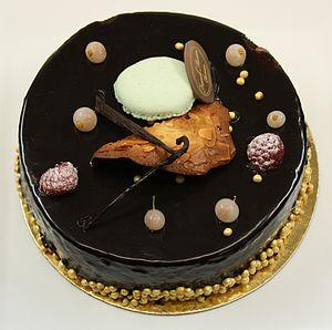 Français : Gâteau à base de mousse au chocolat...