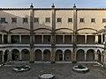 Claustro de la Hospedería (Convento de Cristo, Tomar).jpg