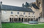 Cloister next to treasury of medieval goldsmith in Conques 02.jpg