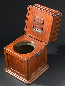 Commode wikipedia for Chaise us ww2