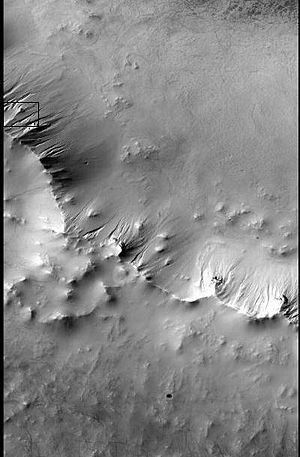 Thaumasia quadrangle - Image: Context for Gullies in Ross crater