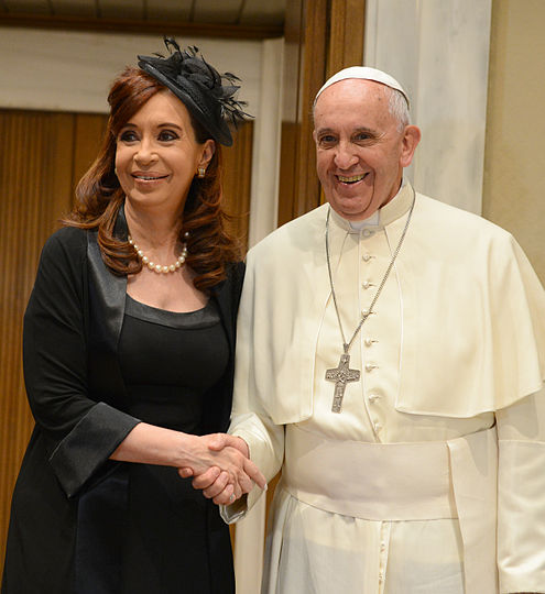 Cristina de Kirchner with Franciscus in 2015-2.jpg
