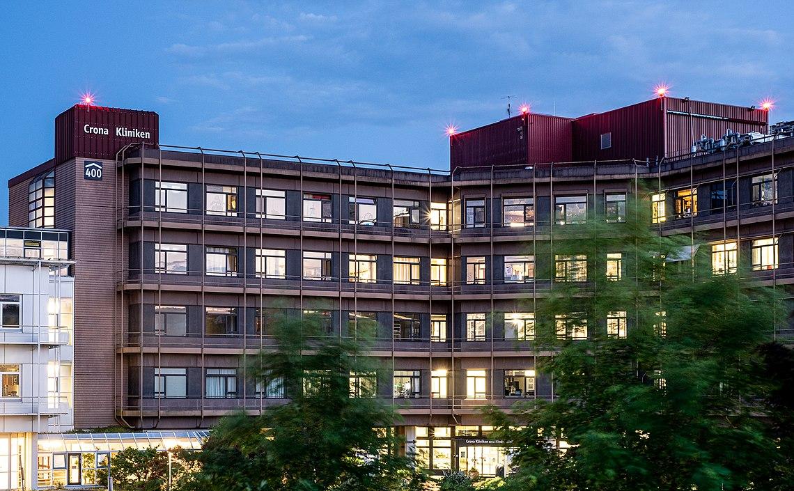 Crona in Tübingen zur blauen Stunde 1.jpg