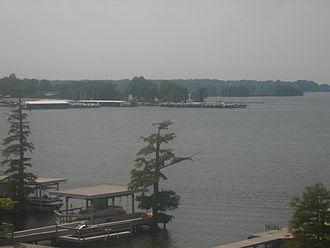 Cross Lake (Shreveport, Louisiana) - Image: Cross Lake near Ford Park, Shreveport, LA IMG 1349