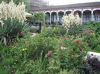 Kensington Roof Gardens - Image: Derry & Toms 26