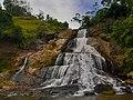 Diyaluma falls.jpg