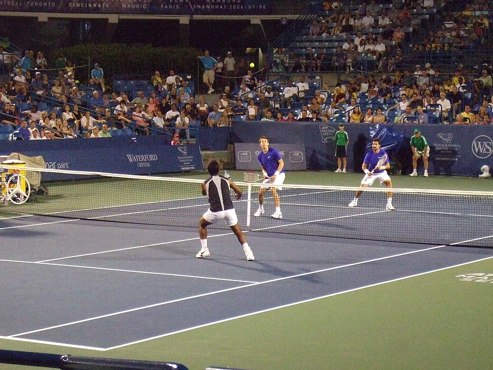 Dlouhy & Paes against Nestor & Zimonjic at the 2008 Cincinnati Masters
