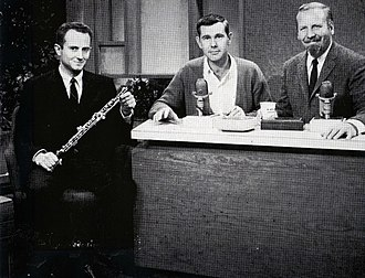Donald Ashworth - Don Ashworth (L) with Johnny Carson and Skitch Henderson (1962)
