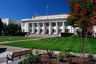 Douglas County, Oregon - Image: Douglas County Courthouse (Douglas County, Oregon scenic images) (dou DA0066)