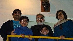 Narendra Kohli - Dr. Narendra Kohli with wife Dr. Madhurima Kohli, his elder son Kartikeya, and grandsons, New Delhi (2008)