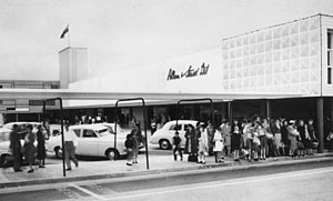 Westfield Chermside - A bus station and tramlines were integrated into the centre from its opening